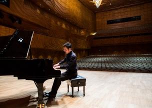 Aaron Liu 2015 Great Romantics Competition winner - photo credit Michael Christian