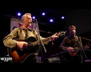 "Billy Bragg & Joe Henry - ""In The Pines"" (Live at Non-Comm 2016)"
