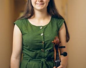 Tess Hickey, cello