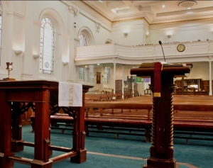 Collins Street Baptist Church: Inside