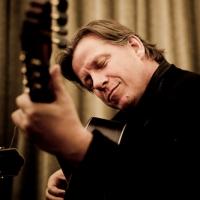 Doug_de_Vries Guitarist.JPG