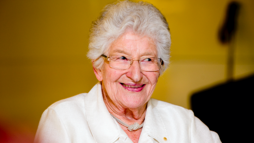 Vale, Betty Amsden