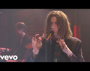LANY - ILYSB (Live on Late Night with Seth Meyers)